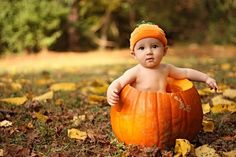 Baby in the pumpkin! I wanna do pics like this for Gracie's 6 month pictures Boy Pictures, Newborn Pictures, Holiday Photos, Holiday Fun, Cute Photos, Baby Photos, Cute Kids, Cute Babies, Pumpkin Pictures