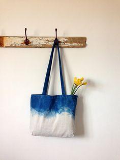 Indigo Blue Dip Dyed Shoulder/Beach dip dye ombre by Indigowares Blue Dip Dye, Dip Dyed, Cotton Bag, Cotton Canvas, Diy Bag Painting, Women's Retreat, World Crafts, Canvas Bags, Produce Bags
