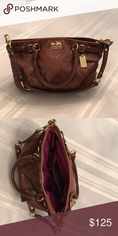 A classic Coach hand bag Beautiful brown weave hand bag with 2 pockets for phone, sunglasses, etc. and a zip pocket Coach Bags Shoulder Bags