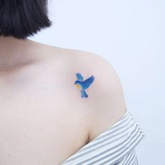 Blue Bird Tattoo Girls 19 Ideas For 2019 Bird Tattoos For Women, Tiny Bird Tattoos, Black Bird Tattoo, Rose Tattoos, Flower Tattoos, Blue Jay Tattoo, Tattoo Girls, Girl Tattoos, Tatoos