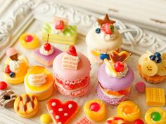 甘いものを食べてると幸せになれるので大好きです!別腹でたくさん食べれちゃいます笑
