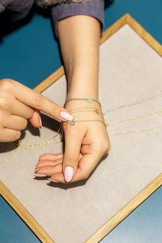 6 krok: Wybierz łańcuszek, na którym będzie wisiała Twoja banieczka z życzeniem. Masz do wyboru złoty, srebrny złocony lub srebrny rodowany