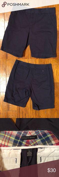 Tommy Hilfiger Navy Chino Bermuda Shorts Size 10 **MAKE AN OFFER**  Tommy Hilfiger  Navy Chino Bermuda Shorts  Size 10 Like New Smoke free home Tommy Hilfiger Shorts Bermudas