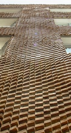 Negative percision- Onsite fabrication of a parametric facade