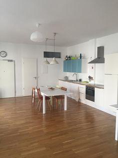 Diese Tolle Moderne Küchenzeile Ist Sehr Besonders! Ein Sehr Großer Raum  Für Eine Küche Bietet