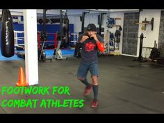 How to Get Dynamic Footwork for Muay Thai Combat Sport Chris Romulo Muay Thai Techniques, Boxing Techniques, Martial Arts Techniques, Muay Thai Training, Boxing Training, Ufc Workout, Gym Workouts, Viking Workout, Self Defense Martial Arts