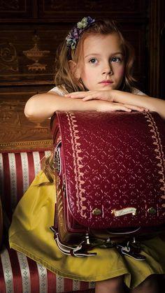 LIRICOランドセル   想いをつなぐランドセル Bag Illustration, Harry Potter Style, Young Ones, Child Models, School Backpacks, Preppy Style, School Bags, Pretty Girls, Children
