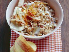 Bircher Müsli mit Äpfeln und Möhren - smarter - Kalorien: 342 Kcal - Zeit: 20 Min. | eatsmarter.de