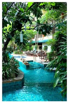Lazy river in the backyard, so cool!