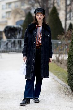 Paris Fashion Week Street Style Fall 2018 Day 1. All the best street style looks from Paris FW18 shows and fashion week. The best looks worn by fashion editors, models, influencers and more. See the latest Street Style from all the womenswear fashion shows at TheImpression.com
