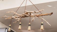 lustre en bois flottes avec 3 ampoules vintage Wooden chandelier fleeces with 3 vintage bulbs – Birch Tree Decor, Branch Decor, Diy Lustre, Driftwood Chandelier, Modern Stair Railing, Diy Luminaire, Bamboo Light, Rustic Pendant Lighting, Doll House Crafts