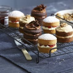 My Kitchen 12 cup mini sandwich tin with loose bases, straight sides and non-stick. Ideal for mini victoria sponges and individual desserts like cheesecake. Individual Desserts, Mini Desserts, Just Desserts, Dessert Recipes, Mini Cake Recipes, Mini Cakes, Cupcake Cakes, Nake Cake, Cake Stall