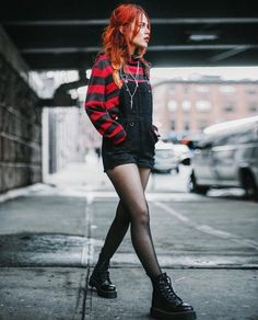 54 ideas for style women grunge outfit Women's Grunge Outfits, Diy Outfits, Outfits Casual, Hipster Outfits, Fashion Outfits, Cute Punk Outfits, Black Outfit Grunge, Black Tights Outfit, Fashion Boots