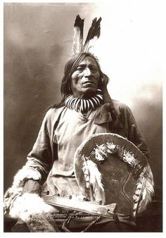 Sioux Medicine Man, Fool Bull. The shield is now in a museum.