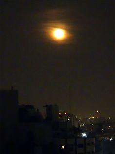 la luna nos mira... #buenosaires