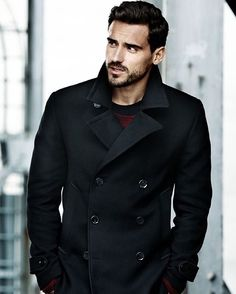 Shop similar http://rstyle.me/n/bhcy293pme . Cool #peacoat from @hm  it looks good with some red details.