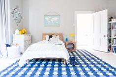 Choosing Pattern Bedroom Decoration | Home and Design