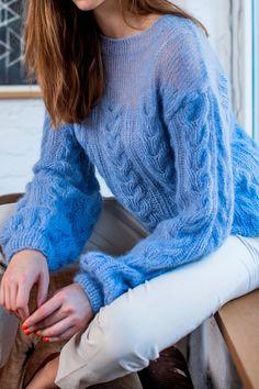 Free pattern | Fall | AucciKnitting | Knitting | Knitting project | Moda | Knitwear 2016 | Girl | Pullover | Pullover Sweater | Pullover stricken | Pullover outfit | Pullover nähen | Pullover stricken anleitung | Stricken | Stricken deutsch | Stricken anleitungen | Sweaters | Sweater dress | Sweater outfits | Sweater for fall | Sweater weather | Hand made | Navy color | Aran | Cable | Blue | Мохер | Синий мохеровый свитер | Бесплатное описание