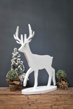 Self-standing flat pack polystyrene animal cutouts perfect for winter and your Christmas displays #visualmerchandise  #animal #polystyrene…