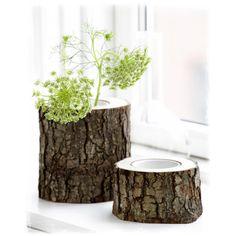 Пни в интерьере В прекрасный солнечный день, прогуливаясь по роще вы встречаете пеньки, которые покоятся под покрывалом сухих листьев и гниют под влиянием природы. Вы никогда не задумывались, что можно сделать из старых пеньков? А сделать можно множество различных красивых и полезных вещей: чайный столик, вазу, подсвечник, стульчик и многое другое.