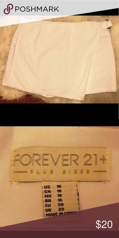 abec2771990693 Forever 21 Plus White Skort Never worn Size 16 Skort has shorts underneath  Forever 21 Shorts Skorts