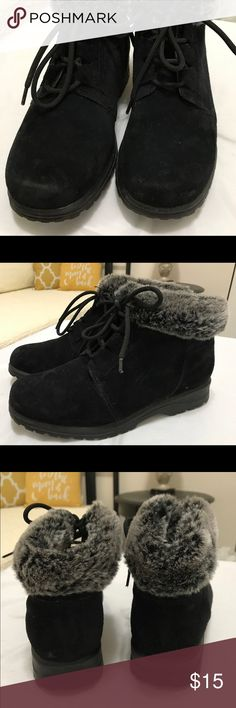 Connie Cuddlers Boots Sz 8 Connie Cuddlers Black Boots with Gray Fur Trim. In very Good Condition. Sz 8 Cobbie Cuddlers Shoes Ankle Boots & Booties