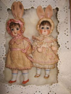Lot-of-sweet-twin-easter-bunnie-dolls-in-box-Hertwig-Germany-1900