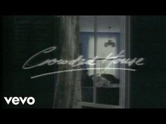 Crowded House - Don't Dream It's Over - YouTube