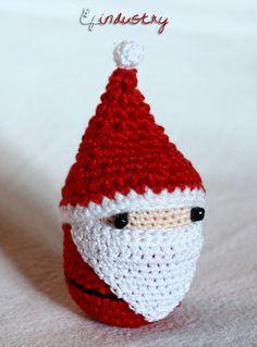 Tiny Santa Claus - crocheted on a Kinder Surprise container. Kinder meglepetés műanyag tojására horgolt télapó.
