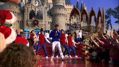 Justin Bieber - Mistletoe. Disney Christmas Parade 2011