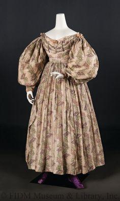 OMG that dress! - 1830's FIDM Museum