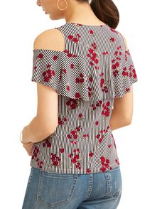 I like this printed top with jeans Blouse Styles, Blouse Designs, African Fashion Dresses, Fashion Outfits, Beautiful Long Dresses, Denim Ideas, Indian Designer Outfits, Short Tops, Western Outfits