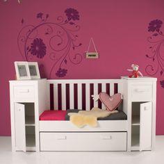 Happy Baby babykamer Land van Maas en Waal. Een compacte babykamer voor als je weinig ruimte hebt.