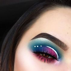 "1,471 Likes, 4 Comments - Sample Beauty™ (@samplebeauty) on Instagram: ""YEEEEEES!!!! Killing it!! Achieve this look using our Spectrum palette and a white liquid…"""