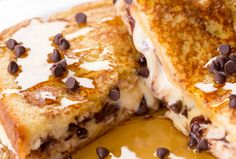 Dough Stuffed French Toast This decadent breakfast recipe proves that cookie dough tastes amazing in literally anything.This decadent breakfast recipe proves that cookie dough tastes amazing in literally anything. Breakfast Recipes, Dessert Recipes, Oreo Desserts, Breakfast Casserole, Plated Desserts, Cheesecake Desserts, Savory Breakfast, Morning Breakfast, Milk Recipes