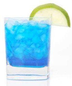 Looks delicious! Horizon Blue Skies (citrus vodka, blue curacao, lime juice, and triple sec) Colorful Drinks, Blue Drinks, Blue Cocktails, Cocktail Drinks, Mixed Drinks, Cocktail Recipes, Alcoholic Drinks, Beverages, Cocktail Mix