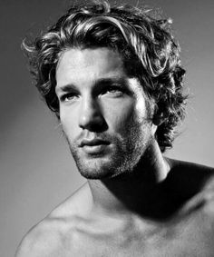 Surfer Hair For Men - 50 Beach Inspired Men's Hairstyles - Curly Surfer Hair For Men - Wavy Hair Men, Curly Hair Cuts, Medium Hair Cuts, Medium Hair Styles, Curly Hair Styles, Haircut Medium, Long Hair Guys Styles, Frizzy Hair, Wavy Haircuts