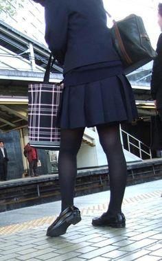 Black Pantyhose, Black Tights, Kids Uniforms, Cute Fashion, Womens Fashion, High School Girls, Black Stockings, Wearing Black, Sexy Legs