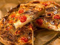 Tarte thon et tomate - Recette de cuisine Marmiton : une recette