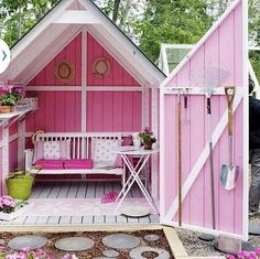 A personal getaway in the lap of nature is what every woman dreams of. Refurbished backyard sheds are the woman's alternative to man caves. These private spots are tailor-made for reading, relaxing, napping, or practicing hobbies.