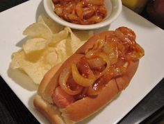New York-Style Hot Dog Onions: This is an easy version of the traditional hot dog topping that& served by New York City street vendors. Hot Dog Onion Sauce Recipe, Hot Dog Sauce, Onion Recipes, Sauce Recipes, Cooking Recipes, Hot Dogs, Sauces, Hot Dog Toppings, Hot Dog Chili