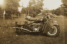 #money #investments #classiccar #vintage 1940 #Indian Chief @JeffreyWolfeMBF @crcmotorcycles @100BonnieMans