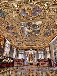 Top Venice Attractions - Scuola Grande, a Tintoretto masterpiece Sorrento Italy, Naples Italy, Sicily Italy, Venice Italy, Siena Italy, Rome Italy, Baroque Architecture, Amazing Architecture, Italy Vacation