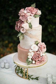 Summer Wedding Cakes, Wedding Cake Roses, Purple Wedding Cakes, Dusty Rose Wedding, Wedding Cake Rustic, Wedding Cakes With Cupcakes, Elegant Wedding Cakes, Wedding Cakes With Flowers, Wedding Cake Designs