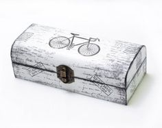 Beige Wooden Box Distressed Box Treasury Box por MyHouseOfDreams