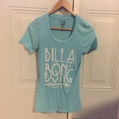 Billabong Tee worn a few times, still in good condition. love this color for the Spring time. nice fit. Billabong Tops Tees - Short Sleeve
