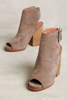 Jeffrey Campbell Brianna Shooties size 8