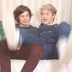 (gif) I love Narry. And Niall's overalls.