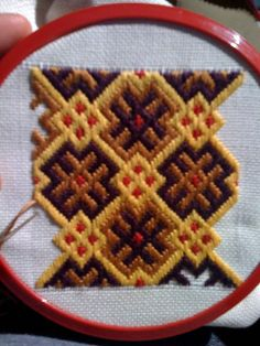 This was my first attempt at Brickwork Medieval Embroidery, Sashiko Embroidery, Japanese Embroidery, Embroidery Stitches, Embroidery Patterns, Broderie Bargello, Bargello Needlepoint, Needlepoint Stitches, Celtic Cross Stitch