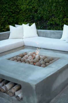 wood DIY Outdoor Fire Pits is part of Outdoor renovation - Welcome to Office Furniture, in this moment I'm going to teach you about wood DIY Outdoor Fire Pits Backyard Seating, Fire Pit Backyard, Backyard Patio, Backyard Ideas, Patio Ideas, Garden Fire Pit, Outdoor Seating Areas, Lounge Ideas, Pergola Ideas